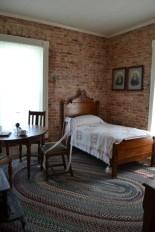 Hamilin bedroom